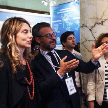 Il ministro Madia in visita allo stand Halley Informatica al ForumPA